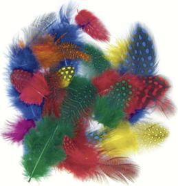 KN204885205- 1gram parelhoenveren mix van 4-6cm kleurenmix