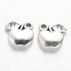 D58- 10 stuks bedels appels 10x10.5mm zilver