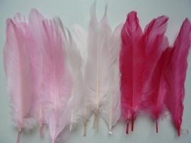 12238/3803- ca. 15 stuks ganzenveren van 12 tot 20cm lang 3 tinten roze