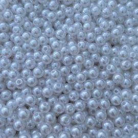 C132- ruim 100 stuks kunststof parels wit van 6mm