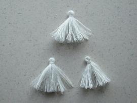 CE432103/1702- 3 stuks sierkwastjes van 3cm wit
