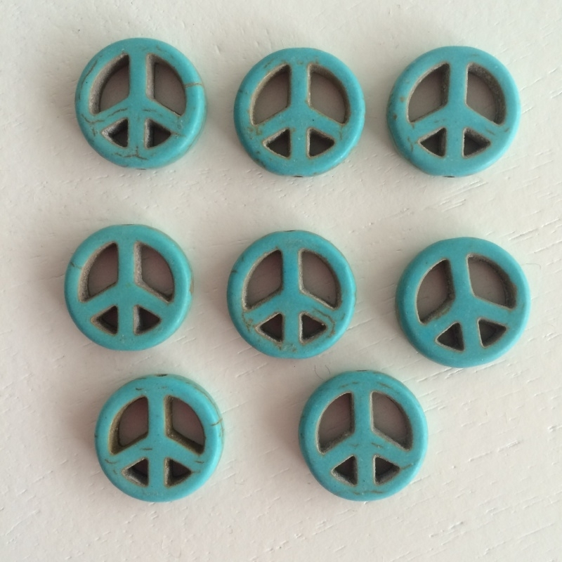 C33- 8 stuks synthetic ghemstone turquoise peace kralen 15mm
