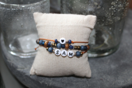 Setje armbandjes met 1 naam