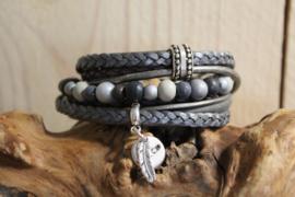 Donker grijs met zilvergrijze wikkelarmband incl kralenarmband