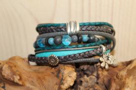 Turquoise met donkergrijze wikkelarmband incl bijpassend kralenarmbandje