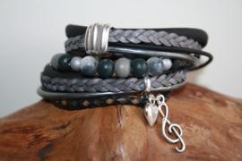 Zwart met grijze wikkelarmband