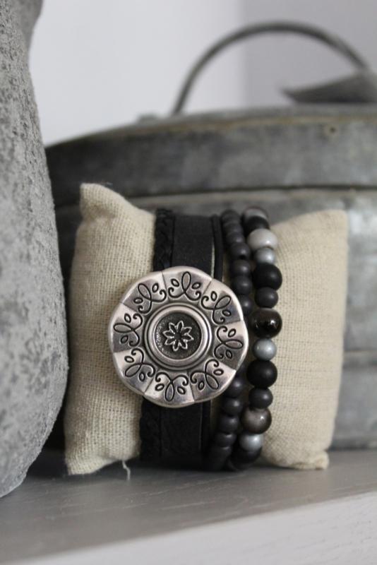Armband bloem zwart