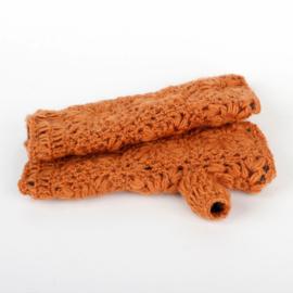 Sjaal met  verhaal handwarmers Cognac