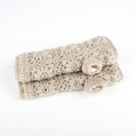 Sjaal met  verhaal handwarmers Beige