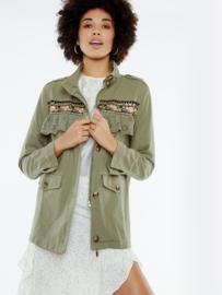Meisïe - Jasje groen met kleurrijke print en kant