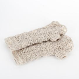 Sjaal met  verhaal handwarmers crème