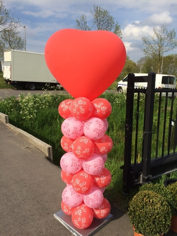 Ballonpilaar met Hart topballon