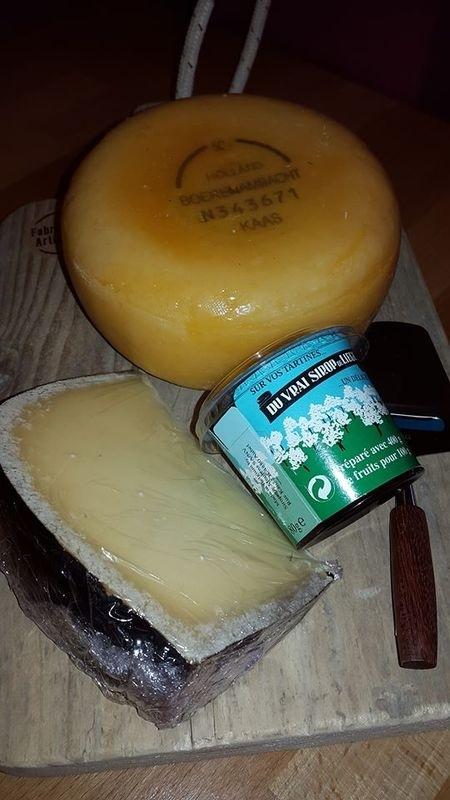 Kaasplank met kaas