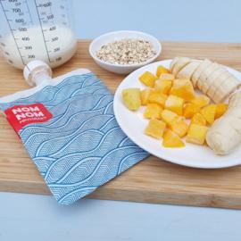 Ontbijtsmoothie havermout, mango, banaan met gember