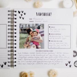 The Little Years - Opgroeiboek voor alle leeftijden met ringband & elastiek én GRATIS stickervel