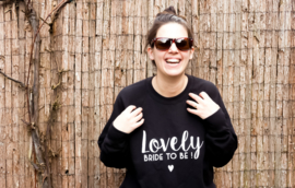 Lovely Bride to be! Sweater maatje M