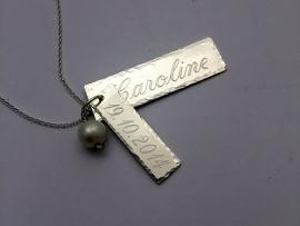 Zilveren naamsieraad, ketting met persoonlijke bedels