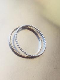 Dunne Zilveren ringensetje, Pareldraad Stapelring, Bolletjes Aanschuifring, Balletjes Stapelbare ring en Gehamerde Ring, Minimalistisch