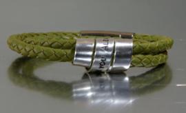 Bracelet 2 tours en cuir vert olive et argent personnalisé, Bracelet gravé avec un message unique et symbolique