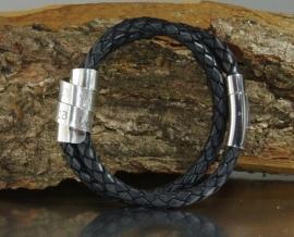 Leer Wickelarmband / wraparmband met een naam, initiaal of persoonlijke tekst op 925 zilveren plaat