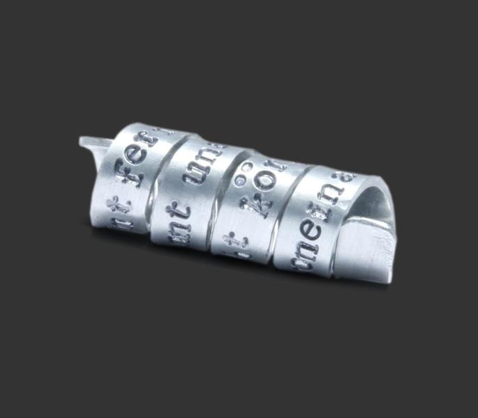 Aluminium hanger inclusief het graveren van tekst