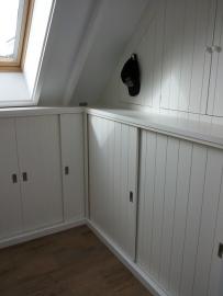 Inbouwkast onder dakkapel