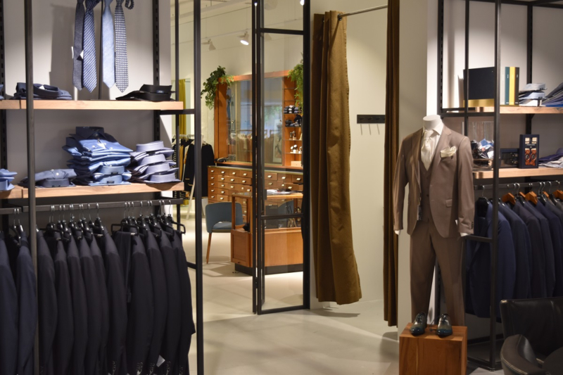 Maatwerk interieur kledingwinkel
