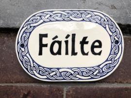 Fáilte naambord blauw