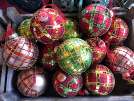 Ruiten kerstballen