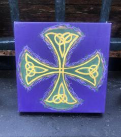 Paars kruis Keltisch versierd