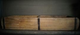 Wooden brick mould met 2 vakken