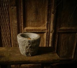 Oude stenen bowl