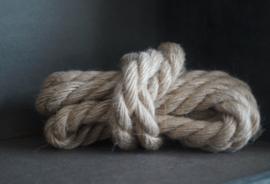 Rope thick 2 cm x 200 cm.
