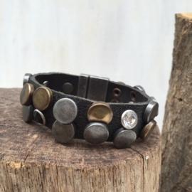 Lederen armband met studs