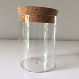 Glazen pot met kurk