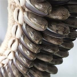 Papoea Halssieraad op sokkel - hoogte 37 cm VERKOCHT