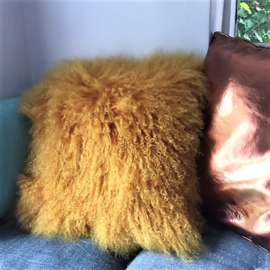 Kussen Mongools schapenvacht geel - 45x45 cm VERKOCHT