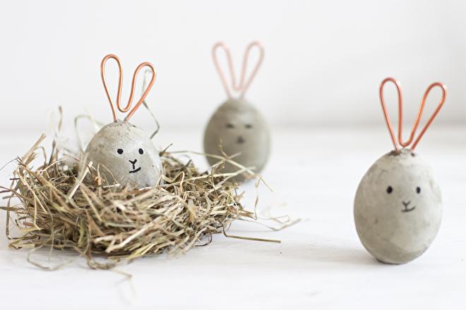 Betonnen bunnies met koperen oren.jpg