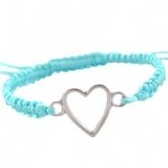 Armbandje Blauw gevlochten satijnkoord met hart en schuifknoop