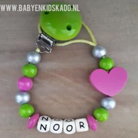 Speenkoord met naam en houten kralen Noor