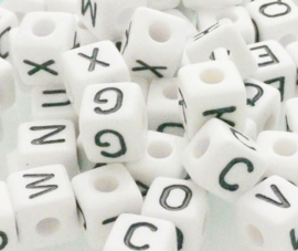 Kunststof letterkralen Zwart/Wit 10mm
