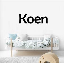 Naamsticker Model Koen | leuke sticker voor op de deur, de muur in de kinderkamer of kinderstoel