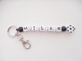 Sleutelhanger met naam, Voetbal (helaas geen letters A en E meer!)