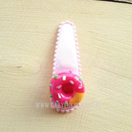 Haarspeldje Roze Donut op een licht roze satijn klikklak speldje | 5cm