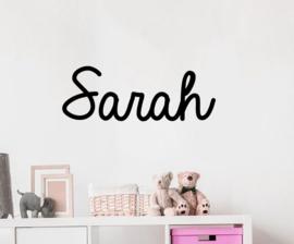 Naamsticker Model Sarah | leuke sticker voor op de deur,  de muur  in de kinderkamer of kinderstoel