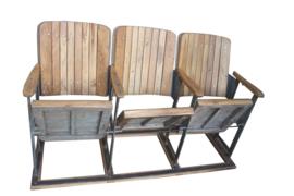 Bioscoopstoeltjes  hout (Evenaar)