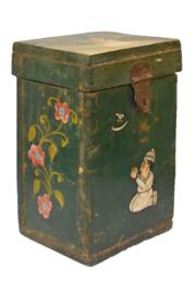 Oud beschilderd kistje  (Evenaar)