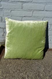 Kussen crushed velvet  nile green (Linen & More)