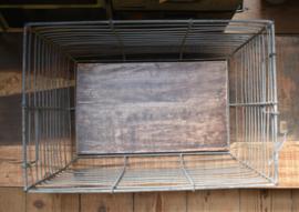 Draadmand houten bodem   (Evenaar)