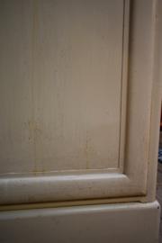 Oude apothekerskast metaal